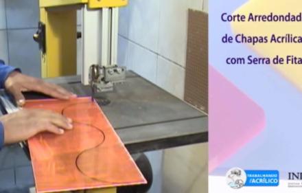 video-trabalhando-com-acrilico