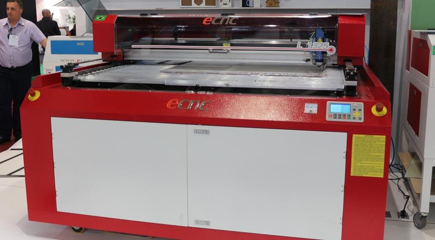 Máquina de Corte a Laser ECNC