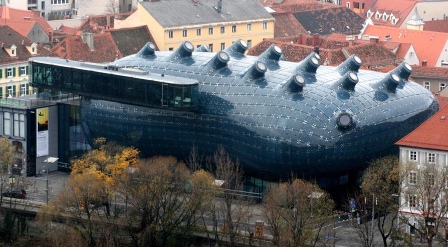 Cobertura em Acrílico do Museu Kunsthaus Graz na Áustria