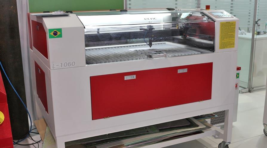 Máquina de Corte a Laser da ECNC
