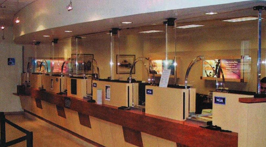 Barreira de proteção de acrílico em Bancos
