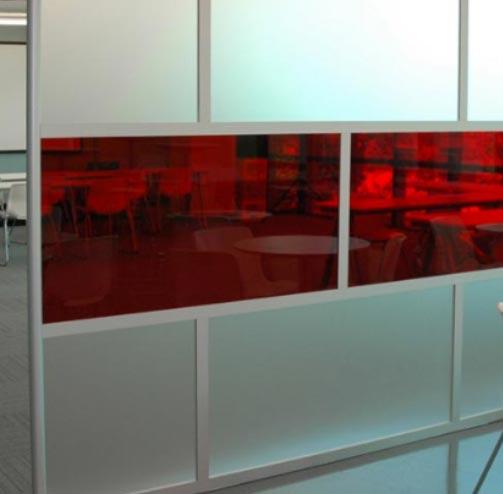 Proteções em acrílico para escritórios da Acrilaria.