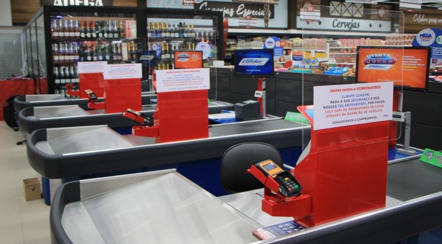 Proteção em acrílico para caixas de supermercados da Bold.